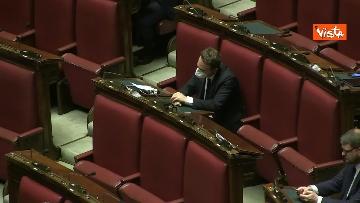 9 - Conte alla Camera tra deputati con la mascherina e ministri a distanza di sicurezza
