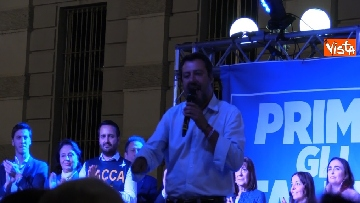 2 - Il comizio del ministro dell'Interno Matteo Salvini a Torino