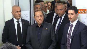 7 - Europee, il voto del presidente di Forza Italia Silvio Berlusconi