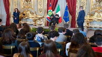 7 - Mattarella incontra una delegazione di scolaresche