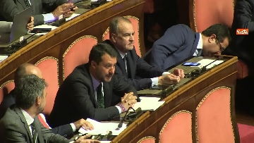 2 - Bagarre in aula durante l'intervento di Salvini
