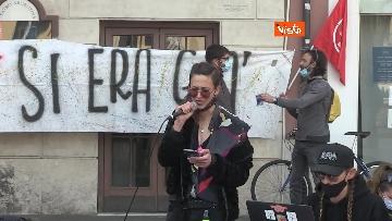 4 - Giornata mondiale del teatro, le foto della protesta davanti al Teatro Argentina a Roma