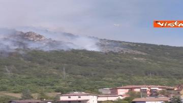 2 - Incendi all'Aquila, Monte Pettino in fiamme. Le foto