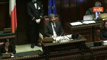 2 - Conte alla Camera tra deputati con la mascherina e ministri a distanza di sicurezza