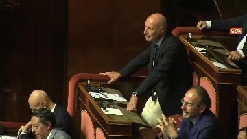 7 - Bagarre in aula durante l'intervento di Salvini
