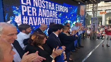 8 - Europee, Zingaretti conclude la campagna elettorale a Milano