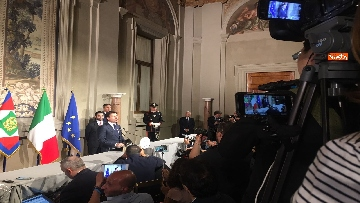 13 - Giuseppe Conte presenta la lista dei Ministri