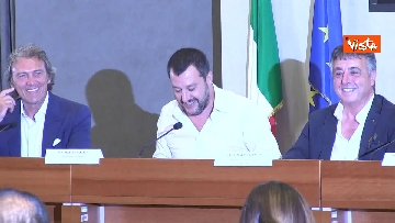2 - Salvini in conferenza stampa al Viminale