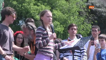 4 - Greta Thunberg alla manifestazione per il clima a Roma
