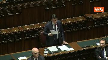 4 - Conte alla Camera tra deputati con la mascherina e ministri a distanza di sicurezza