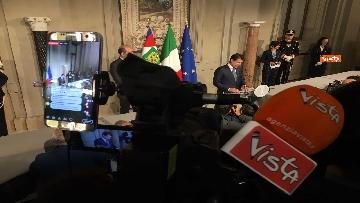 8 - Mattarella conferisce a Giuseppe Conte l'incarico di formare il Governo
