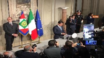 11 - Mattarella conferisce a Giuseppe Conte l'incarico di formare il Governo