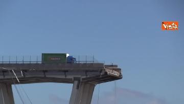 1 - Ponte Morandi, le immagini del luogo del crollo