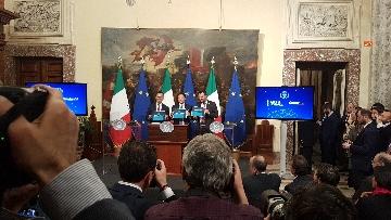 6 - Conte, Di Maio e Salvini presentano il decretone a Palazzo Chigi