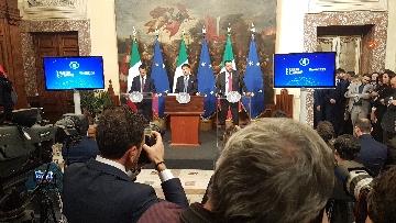 3 - Conte, Di Maio e Salvini presentano il decretone a Palazzo Chigi