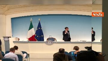 18 - La conferenza stampa di Conte a Palazzo Chigi