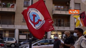 7 - CARC protesta sotto Palazzo Lombardia