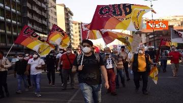6 - CARC protesta sotto Palazzo Lombardia