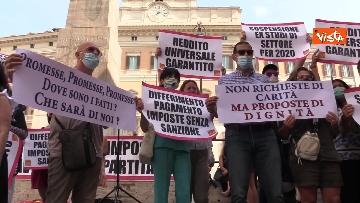 8 - La manifestazione degli accompagnatori turistici a Montecitorio