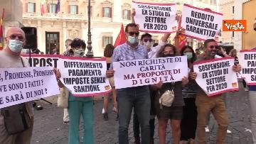 7 - La manifestazione degli accompagnatori turistici a Montecitorio