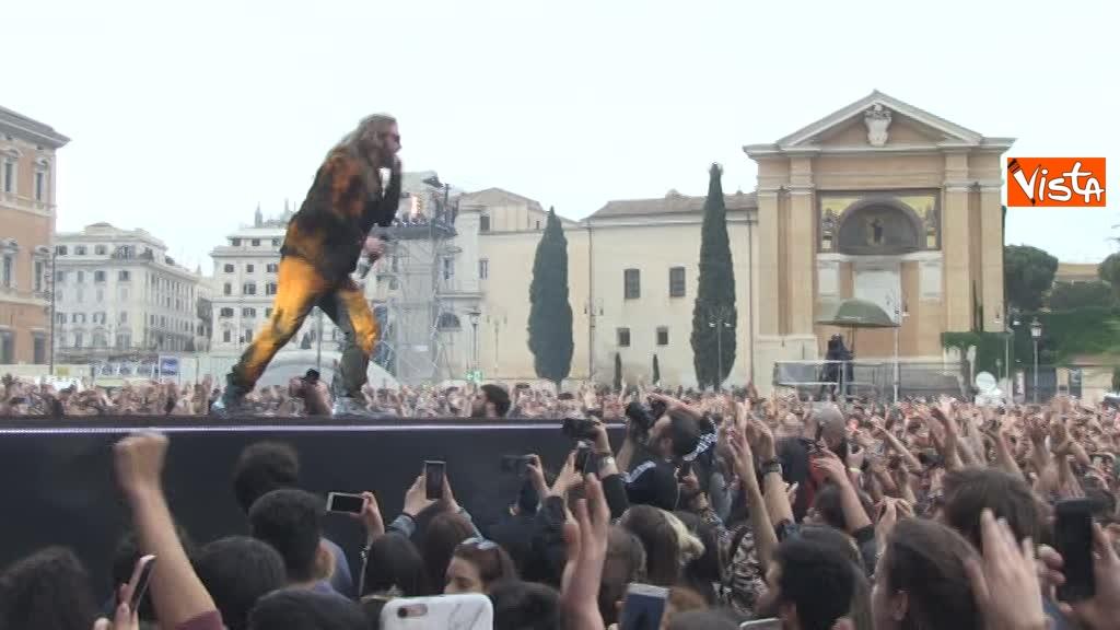 01-05-18 Piazza San Giovanni si scatena al concertone del Primo Maggio_06
