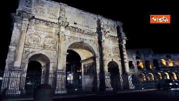 1 - Raggi accende nuova illuminazione dell'Arco di Costantino