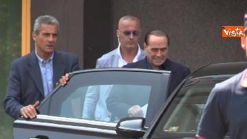 11 - Berlusconi lascia il San Raffaele