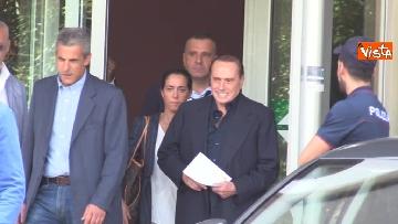 5 - Berlusconi lascia il San Raffaele