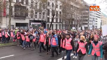 2 - 60mila in marcia per il clima a Bruxelles