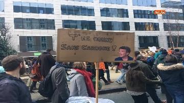 7 - 60mila in marcia per il clima a Bruxelles