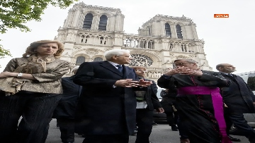 5 - Mattarella visita la Cattedrale di Notre-Dame a Parigi