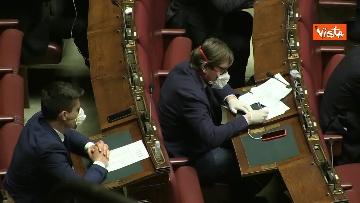 10 - Conte alla Camera tra deputati con la mascherina e ministri a distanza di sicurezza