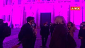 6 - Palazzo Montecitorio in rosa per la lotta al tumore al seno, Fico accende l'illuminazione