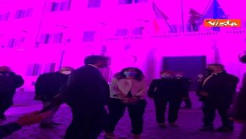 4 - Palazzo Montecitorio in rosa per la lotta al tumore al seno, Fico accende l'illuminazione
