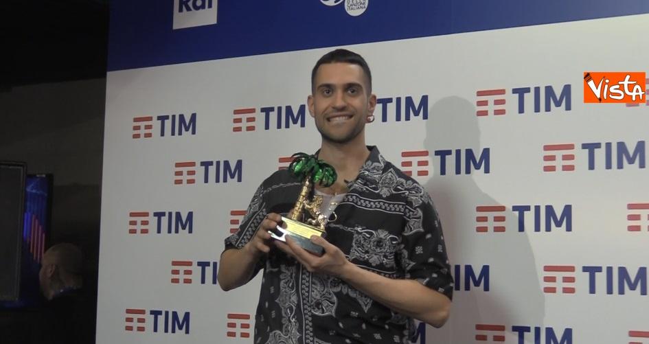 Mahmood con il premio in sala stampa