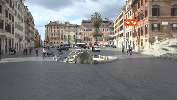 12 - Pasquetta in zona rossa a Roma, controlli a tappeto e piazze semivuote in centro