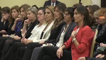 6 - Violenza donne, Carfagna lancia campagna 'Non è normale che sia normale' immagini