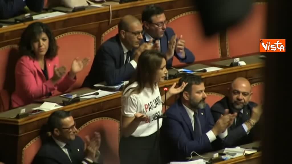 11-09-19 Tutte le bagarre al Senato il giorno della fiducia al Governo Conte 04_Borgonzoni Lega con maglia Parliamo di Bibbiano