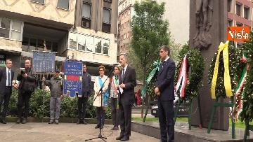 7 - 25 Aprile, deposte le corone in piazzale Loreto sotto il Monumento in ricordo dei Quindici Martiri