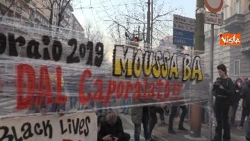 2 - Corteo dei centri sociali a Milano contro il decreto Salvini
