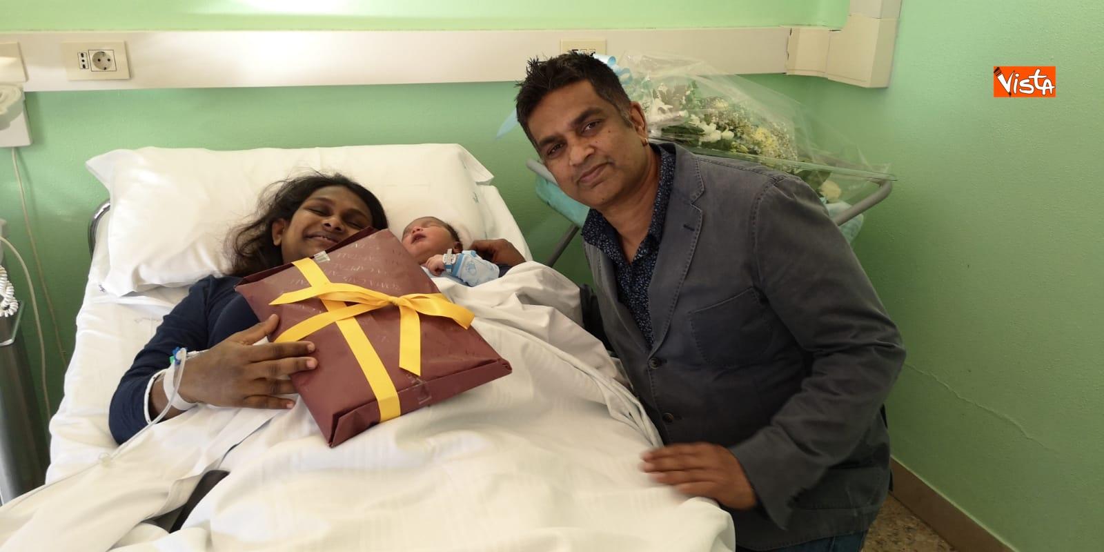 Il primo nato a Roma da genitori dello Sri Lanka si chiama Italo_03