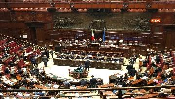 6 - Il voto di fiducia sulla Manovra alla Camera dei Deputati
