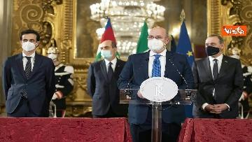 """4 - Consultazioni, Crimi (M5S) legge messaggio di un sindaco: """"Italiani sono stufi dei teatrini"""""""