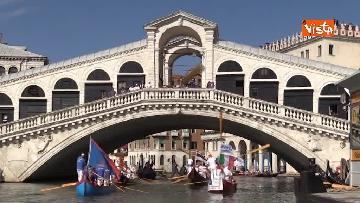 5 - La regata storica a Venezia
