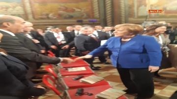3 - Zingaretti e Merkel alla cerimonia di consegna della Lampada della Pace al re di Giordania