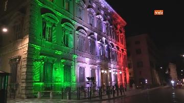 9 - Palazzo Madama illuminato con il tricolore