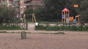 3 - Chiuso il parco della Caffarella a Roma. Nastri della Polizia alle entrate