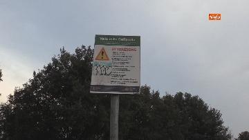 5 - Chiuso il parco della Caffarella a Roma. Nastri della Polizia alle entrate