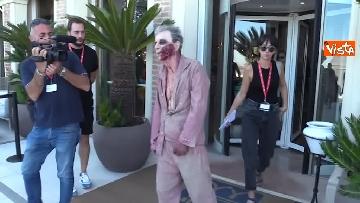 3 - L'invasione 'zombie' al Lido di Venezia, la performance per il documentario su Lucio Fulci