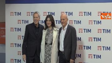 1 - La photocall con Bisio, V. Raffaele e Claudio Baglioni dopo la terza serata del Festival di Sanremo